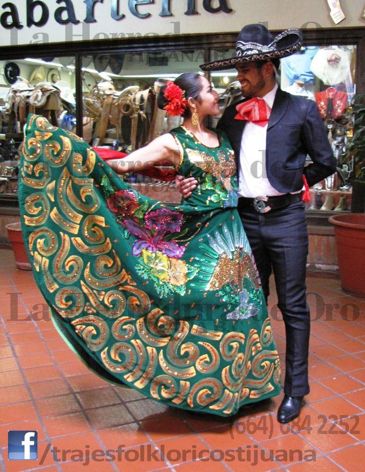 VENTA, RENTA y CONFECCIÓN de Traje tipico, regional o folklorico del estado de Yucatan de hombre y mujer, para danza folklorica mexicana. Buscanos en facebook: /trajesfolkloricostijuana