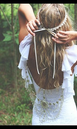 The head band.... sigh ;) the chains in the back tho <3