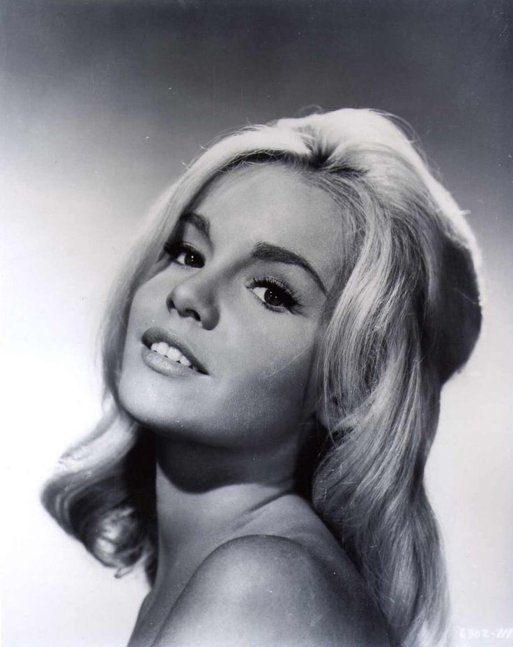 Tuesday weld sweater