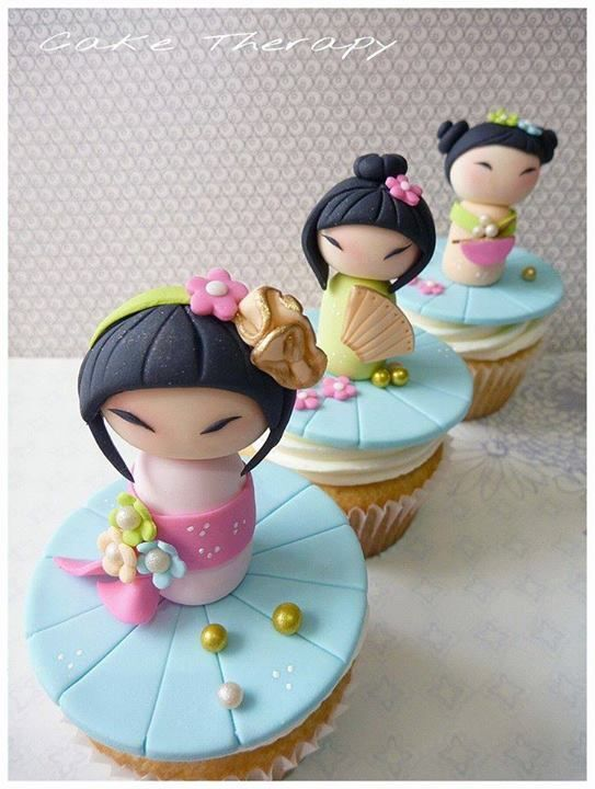 Cake Therapy Japanese dolls                                                                                                                                                                                 Mais