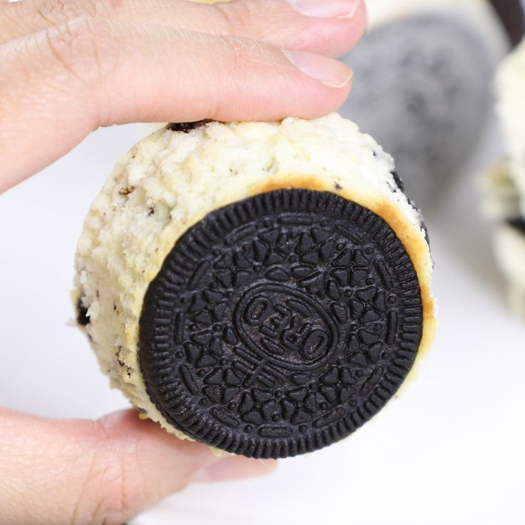 The most incredible Oreo Cheesecake Bites – creamy and soft cheesecake with a …