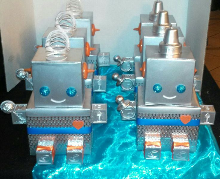 Robot Baby shower centerpiece idea!