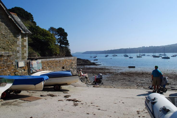 Durgan village on a sunny day. A great place to paddle, row, sail or do nothing but watch the world go by.