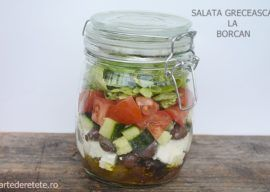 Salata greceasca la borcan