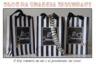 """Olá Meninas!! Bom, lembram que disse da surpresinha que o blog e a Pri Schiavinato estavam preparando?! Pois é, em comemoração ao primeiro ano de vida desse espaço, vamos fazer um sorteio de três """"it-peças"""" que são sucesso de vendas na loja e particularmente as peças que elegi Must–haves do momento!!! As correntinhas de algemas … Continue reading Sorteio Blog da Thássia + Pri Schiavinato"""