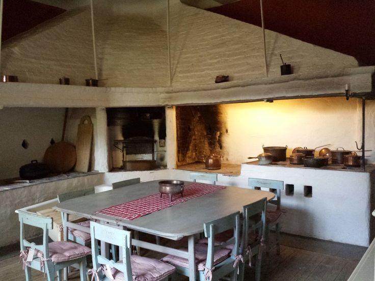Renoveringsmöjlighet i slottsmiljö invid Mälaren   Wrede