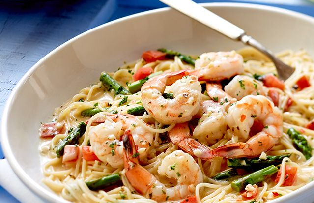Shrimp sautéed in a garlic sauce, tossed with asparagus, tomatoes, and angel hair pasta. Lighter Italian Fare Menu at Olive Garden Restaurants
