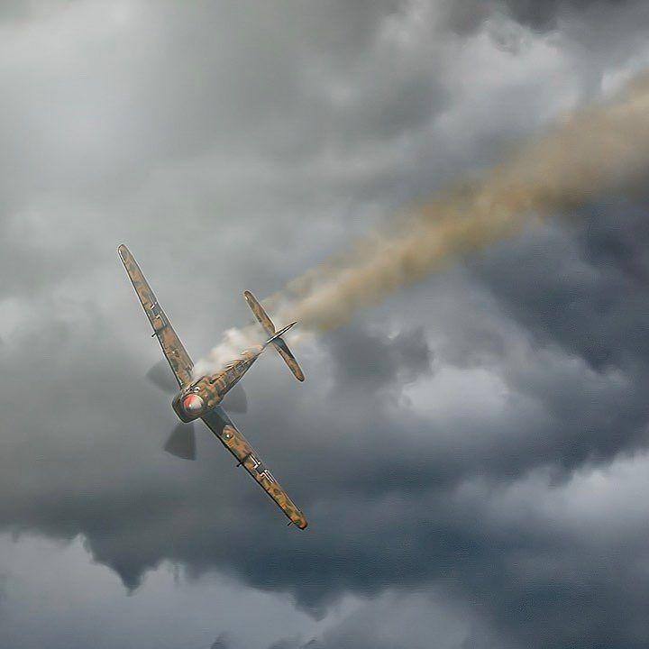 Bf109 Buchon incoming! #flyinglegends #airshow2017 #duxfordimperialwarmuseum #aircraftrestorationcompany #buchon #warbirds #warbirdsinflight #battleofbritain #dunkirk #propblur #excellentaviation #militaryaviation #bf109 #sonya9 #sigma150600mmsports #avgeek #aviationphotography