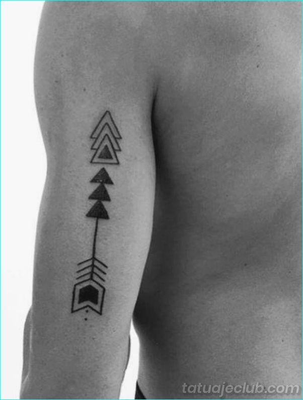 40 Disenos De Tatuajes Pequenos Para Hombres Con Significados Profundos Homb Tatuaje De Triangulo Pequenos Disenos De Tatuajes Mejores Tatuajes Para El Brazo