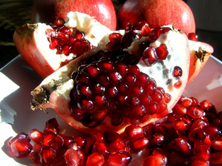Pomegranate – Medicinal Uses & Ayurvedic Home Remedies