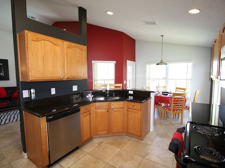MINNIE MOUSE VILLA Vacation Home Rental Orlando Florida 5 minutes to Disney World/15 minutes to Universal Studio VRBO: https://www.vrbo.com/502583 The Luxury Villas Orlando: http://www.theluxuryvillasorlando.com/Page_2.htm