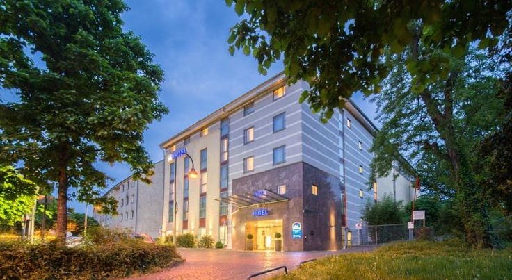 Best Western Hotel Köln Köln Offering free Wi-Fi, this 4-star hotel is located in the Höhenberg district of Cologne. It is 2.4 km from the popular Lanxess Arena, and the Kalk Kapelle Underground Station is only an 8-minute walk away.