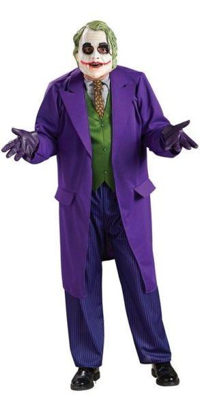 Naamiaisasu; Jokeri Deluxe asu. Tämä on tyylikäs ja täydellinen Batman Dark Knight-elokuvan lisensoitu naamiaisasu. Naamiaisasu sisältää: - Takin, johon kiinnitettynä paita, kravatti ja liivi - Housut - Naamion