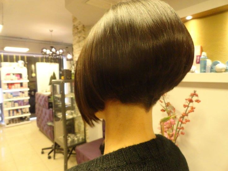 id try this cut i would keep the top a little longer and shave the back with a #5 guard with a Clipper #WedgeHairstylesInverted