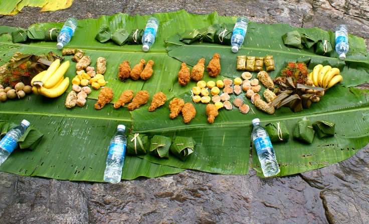 jungle food : thailand   {of course there is fried chicken!}