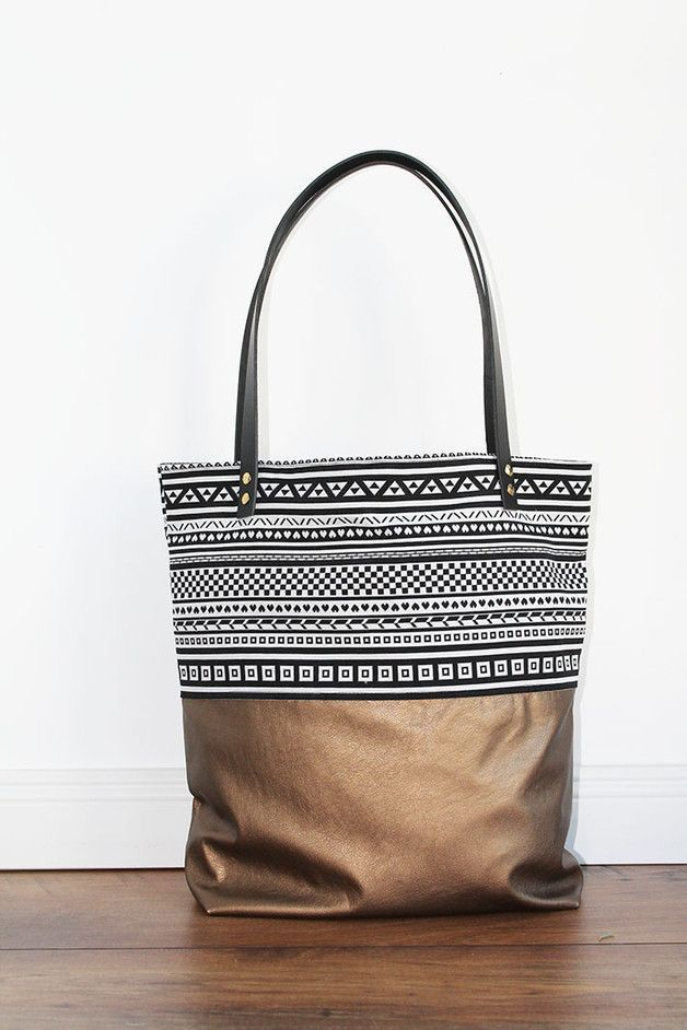 Canvas Tasche mit Ethno-Print / bag with pattern and gold by duftesachen-berlin via http://DaWanda.com