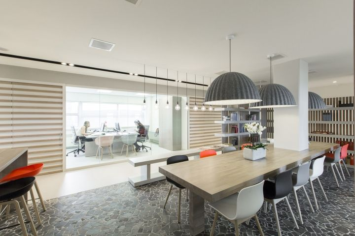 D+Z Architects+Projectmanagers designed the interior for the Norwegian Embassy in The Hague, which is a blend of Dutch and Scandinavian design. At the heart of the office, the main 'town-square' is located, a multi-functional area with a library and kitchen. The 'town-square' is not only the centre of the office, it also functions as a …