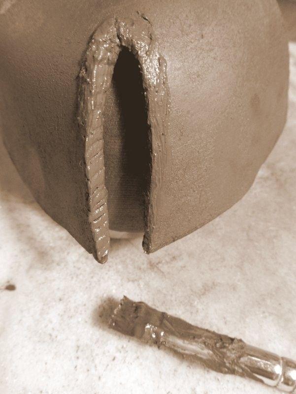 keramik t pfern schritt f r schritt anleitung zur herstellung eines sch lchens in. Black Bedroom Furniture Sets. Home Design Ideas