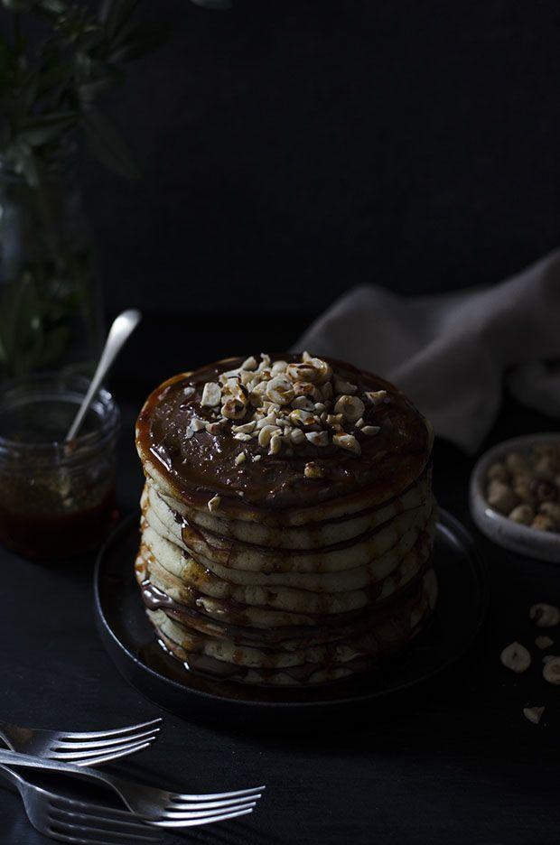 Ananás e Hortelã: Bolo de Panquecas com Nutella e Molho de Caramelo Salgado