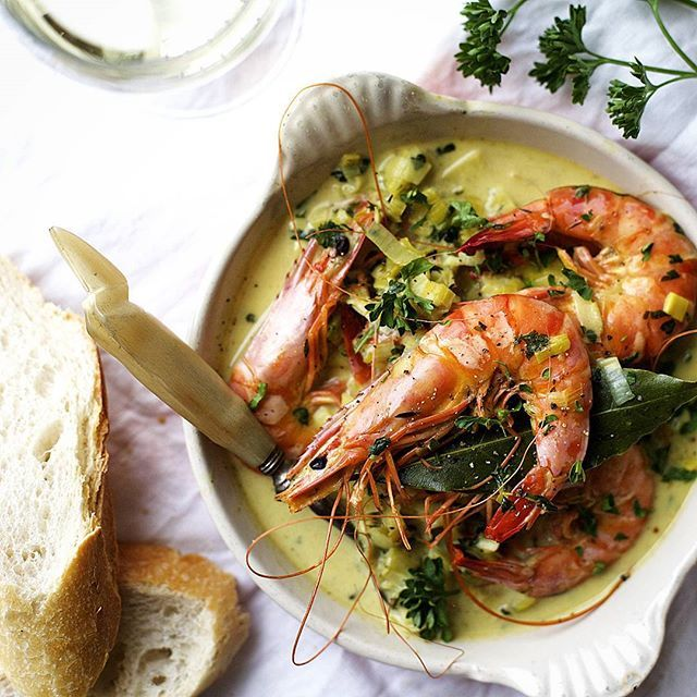 Creamy Champagne Prawns with Leek & Thyme // Form My Senses. Find this #recipe and more on our Feast Of The Seven Fishes Feed at https://feedfeed.info/feast-of-the-seven-fishes?img=823285 #feedfeed