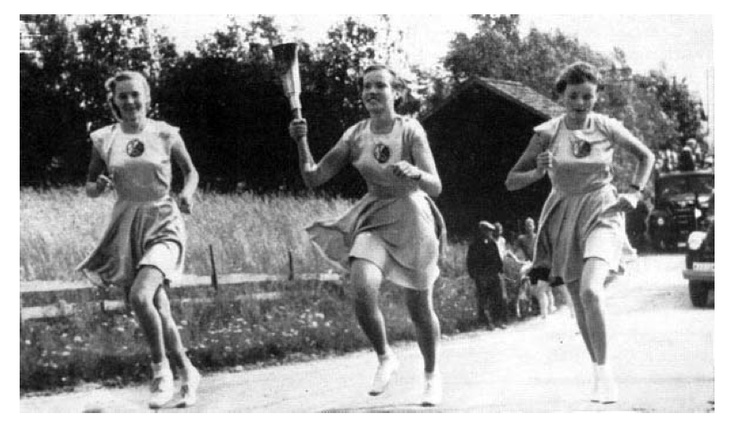 Carrying the torch to the Helsinki Olympic Games