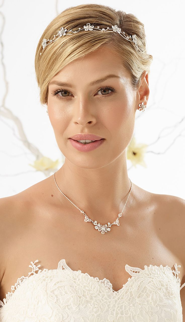Beautiful tiara D29 and magical necklace N15 with earrings from Bianco Evento #biancoevento #hairstyles #weddingaccessories #hairjewellery #jewellery #weddingjewellery #weddingideas #bridetobe