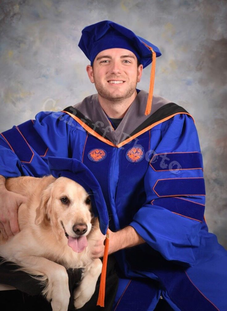 My brother graduates veterinary school this May. Thought you would all appreciate his class photo! http://ift.tt/2ASWjDa