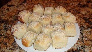 yelenagavrilov: Bulochki with Cream Cheese and Cherry Filling