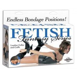 COLLIER EN CUIR & MENOTTE FETISH FANTASY SERIES. Donnez-vous le pouvoir de la domination et voyez comment votre partenaire y répondra , tout est dans l'anticipation! Offert par la boutique érotique (sex shop) La Clé du Plaisir.