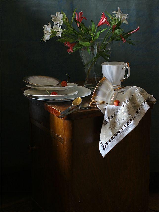 photo: Натюрморт с тремя черешнями.   photographer: Ира Быкова   WWW.PHOTODOM.COM