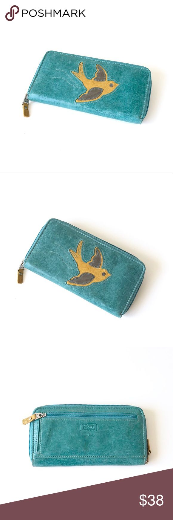 """Fossil • Candy Ivy Clutch Wallet NWT. Candy Icon clutch wallet from Fossil. Vibrant colors and lovely Bird Print. Perfect gift for the season!   • 7 1/2"""" W x 3/4"""" D x 4"""" H • new condition  • price firm, no offers please Fossil Bags Wallets"""