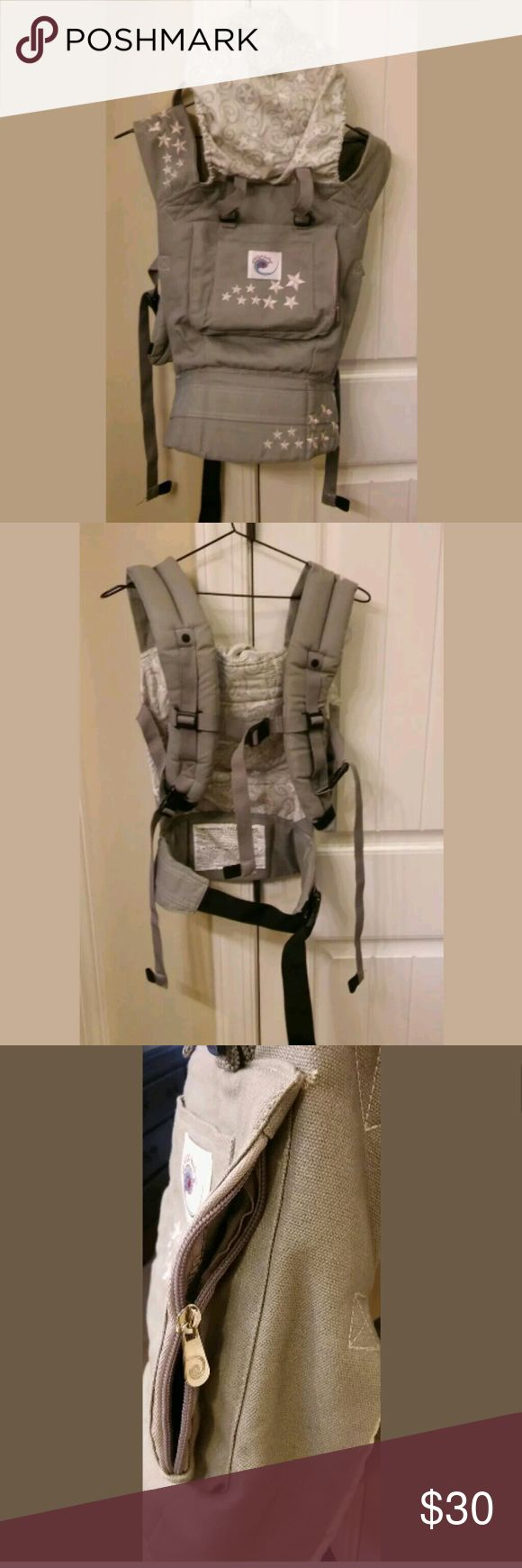 Ergo galaxy baby carrier Only issue is zipper on front pocket is off track. It was like that when I purchased. Used with listed carrier cover to add more warmth. Bundle & Offers welcome. Ergo baby Accessories