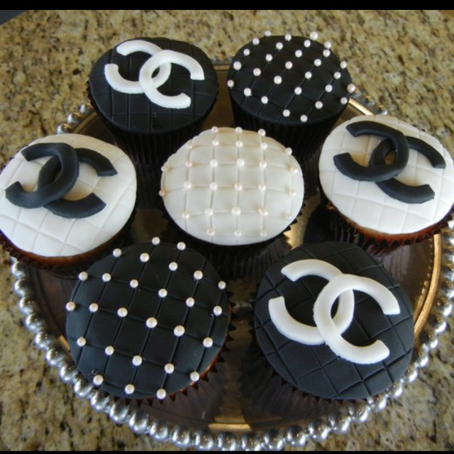 Chanel cupcakes, how cute!