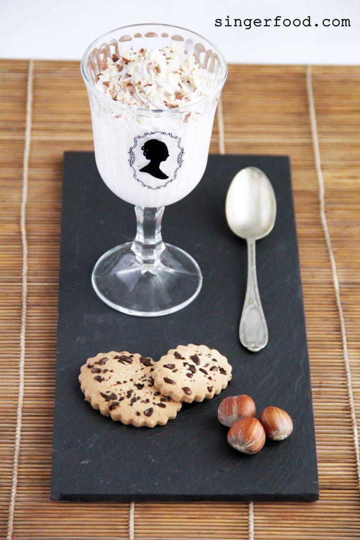 MOUSSE DI NOCCIOLE CON BISCOTTO ALLE FAVE DI CACAO per XO ZACAPA - http://www.singerfood.com/2014/06/mousse-di-nocciole-con-biscotto-per.html