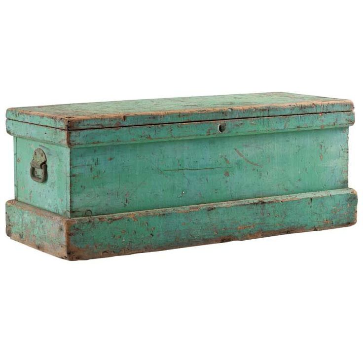 Sea Captains Trunk✓, USA c. 1800 (Red Ticking : ) This was sold as a sea captain's chest, but it is a very typical carpenter's tool chest with a saw till along one side and two compartmented lift out tool trays.