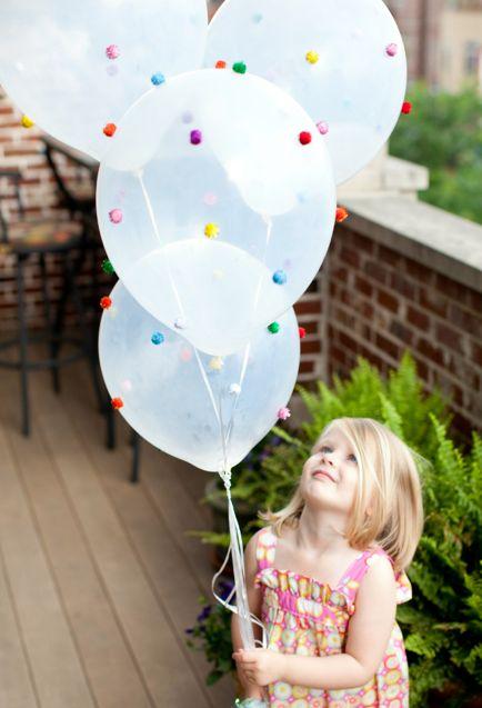 La decoraci n de mis mesas diy globos con pompones - Decoracion con pompones ...