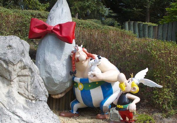 Park astrix - em paris ... No Parque Astérix a diversão é essencialmente assegurada pelas extravagantes montanhas russas, algumas metem água (levar roupa para trocar!)...