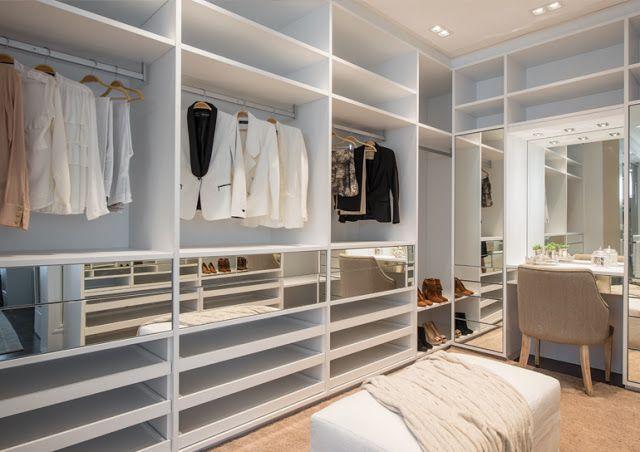 Closets com penteadeiras/bancadas de make e pias – veja dicas e modelos lindos!