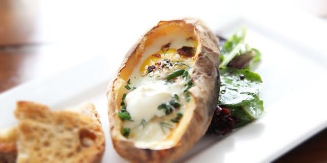 Baked Potato Breakfast   Me Want Food   Pinterest