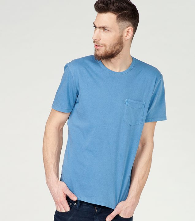 #liveinlevis #levis #men #mencollection #onlinestore #online #new #newcollection #newarrivals #fw15 #fallwinter15 #tshirt