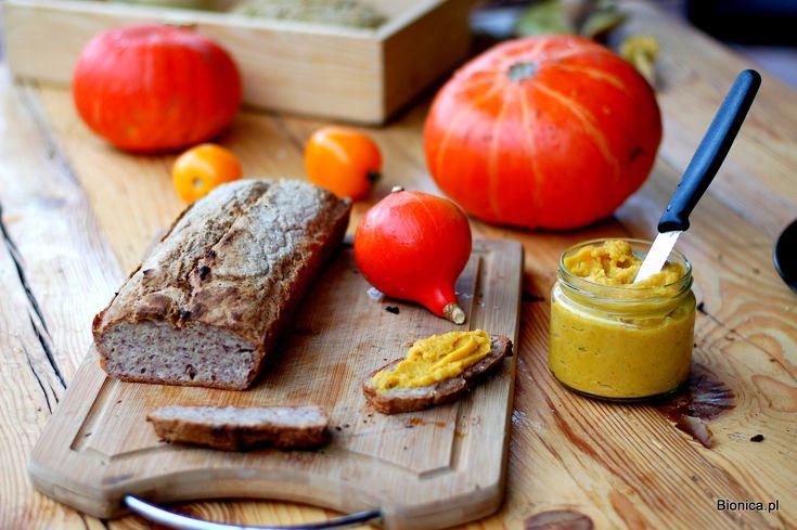 Hokkaido pumpkin pate with gluten-free organic bread