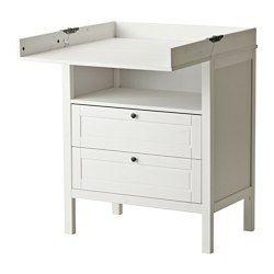 IKEA - SUNDVIK, Wickeltisch/Kommode, weiß,  , , Der Wickeltisch kann auch als Kommode genutzt werden, wenn dein Kind nicht mehr gewickelt werden muss.Angenehme Höhe, um Babys Windeln zu wechseln.Praktische Aufbewahrung in Reichweite: So hat man immer eine Hand am Baby.Ausziehsperre verhindert, dass die Schublade komplett herausgezogen werden kann und herunterfällt.