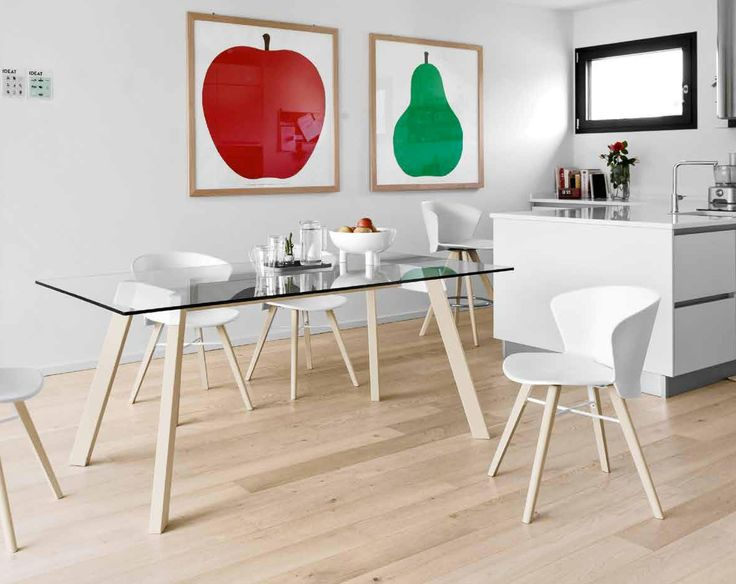 Bahia is the birthplace of many noted Brazilian artists, writers and musicians. Feel like artist while siting on the design BAHIA chair by Calligaris. You will find it in our store LIVINGIN Slovakia