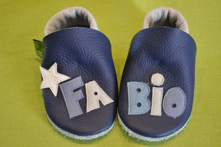 Fabios Krabbelpuschen mit Sternchen ,Geschenk zur Geburt oder Taufe , Krabbelschuhe , Lederpuschen