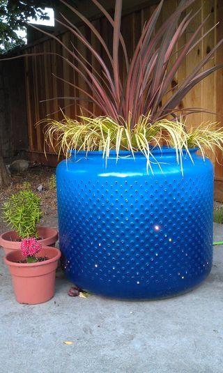 tambour de machine a laver recycler | image qui a un mélange de deux tons de bleu