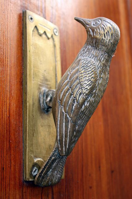 Nice Woodpecker..Door Knocker. For a more rustic Woodpecker Door Knocker, see http://www.reminis.co.uk/period-traditional-door-knockers/150515