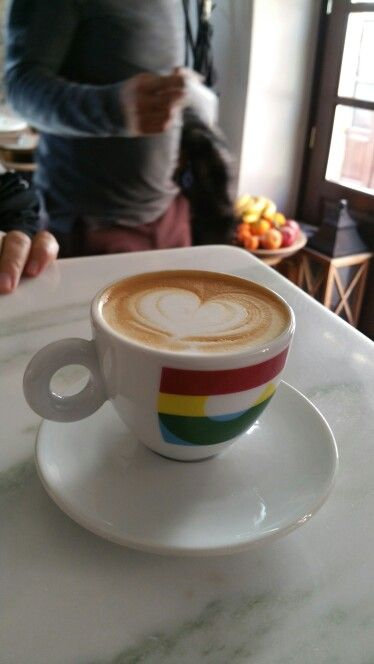 illy cappuccino#emvasis cafe