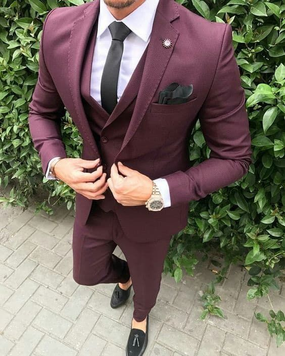 Men's Modern Suiting, men's bordeaux suit #menssuitsmodern