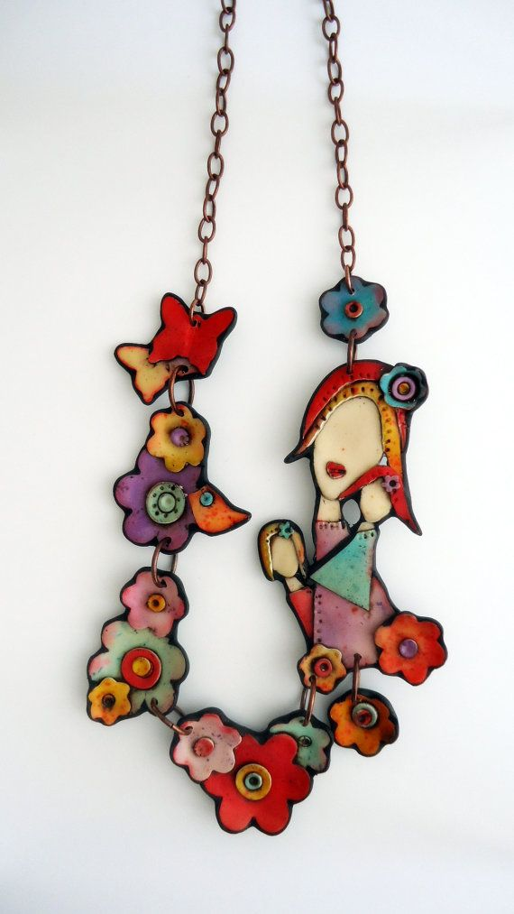 "Polymer clay necklace :"" With her flowers..."""
