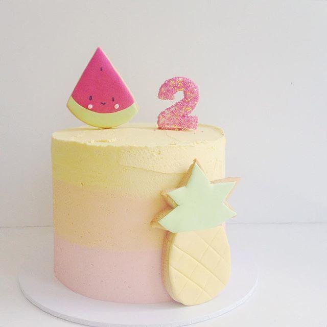 hello naomi  @hellonaomicakes tutti frutti!! #h...Instagram photo | Websta (Webstagram)